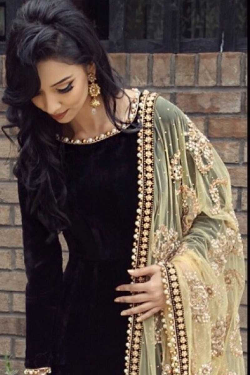 Readymade Black Velvet Anarkali Suit With Dupatta Online Dmv14993