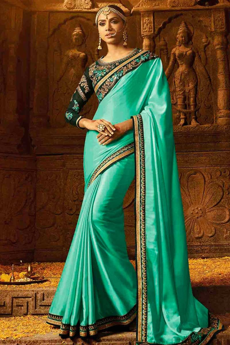 73ded0ab3219da Thumbnail Image of Light Green Saree with Dark Green Blouse Display Gallery  Item 1 ...