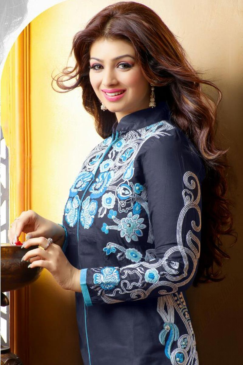 Bollywood Actresses In Indian Dresses - raveitsafe